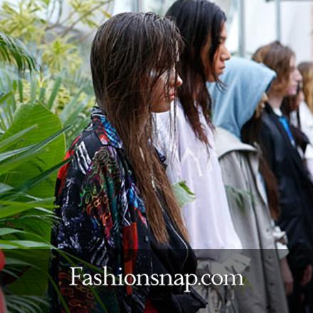 """""""fashionsnap.com"""" にて """"PARADOX(パラドックス)"""" の最新コレクションが掲載されました。"""
