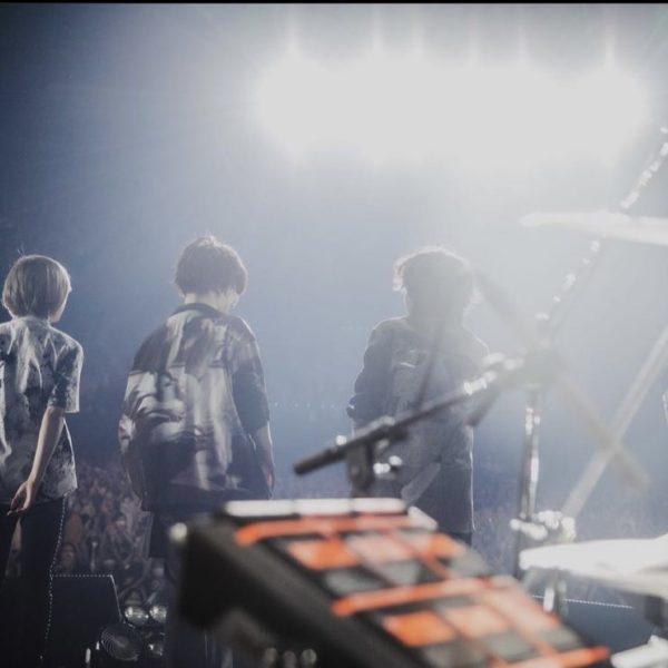 """PRDX PARADOX TOKYO"" 衣装提供 ""藤原聡様"" Official髭男dism『one – man tour 2021-2022』ライブ着用"